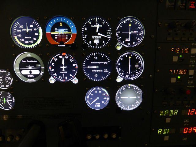 http://www.pilote-virtuel.com/img/members/9578/P1140772-640x480.JPG